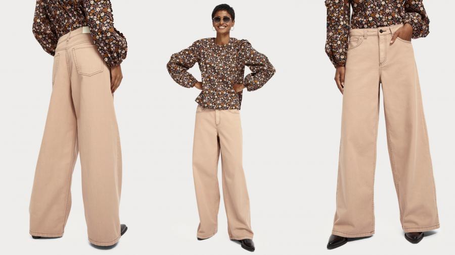 Pantalón de pata de elefante en tono beige de estilo retro
