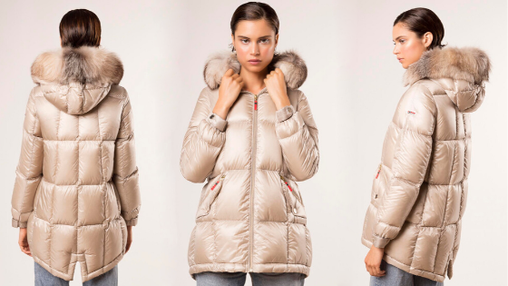 Parka beige con capucha y pelo de Dichi Collection